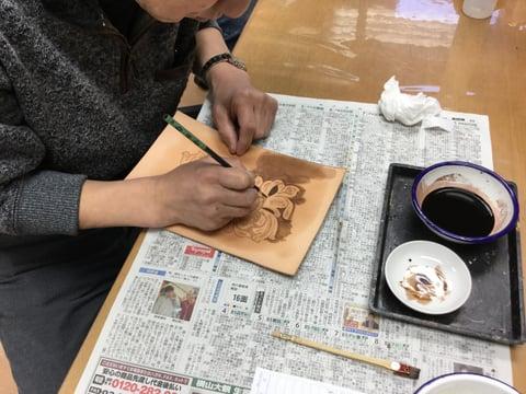 カービング染色 レザークラフト教室 革工芸教室