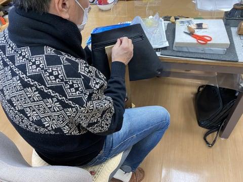 手縫い仕立て中 レザークラフト教室 革工芸教室