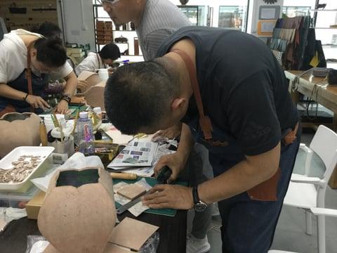 立体造形2日目底作り レザークラフト教室 革工芸教室