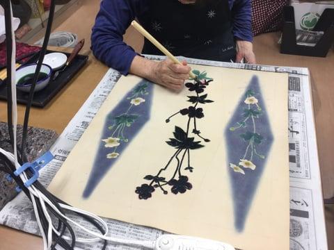 ろうけつ染秋明菊 レザークラフト教室 革工芸教室