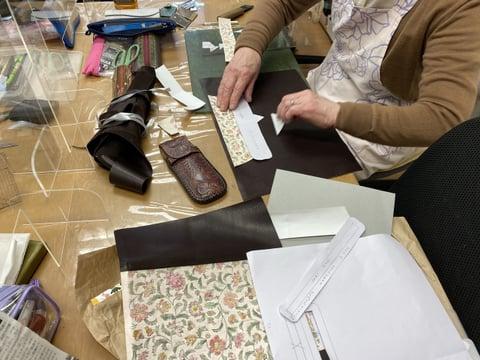 手描き更紗バッグ レザークラフト教室 革工芸教室