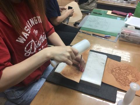 バックグラウンドスタンピング レザークラフト教室 革工芸教室