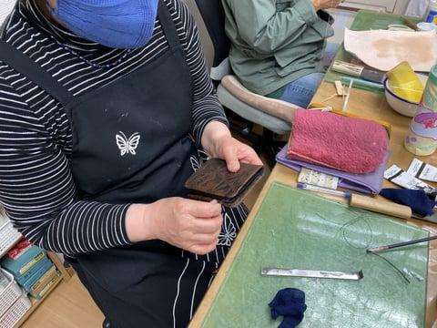 男性用札入れ レザークラフト教室 革工芸教室