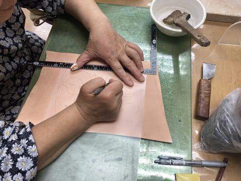 図案写しろうけつ染 レザークラフト教室 革工芸教室
