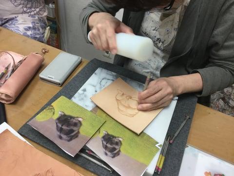 フィギュアカービング 写真 レザークラフ 教室 革工芸教室