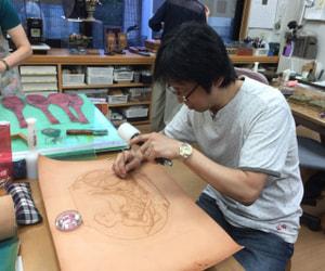 レザークラフト教室 小川聡さん 製作中