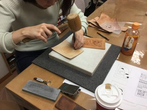 キーケースカービング レザークラフ 教室 革工芸教室