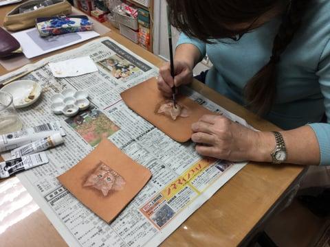 フィギュアカービング子猫 レザークラフ 教室 革工芸教室