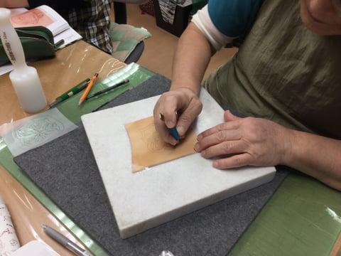 ワンポイントカービング  レザークラフト教室 革工芸教室