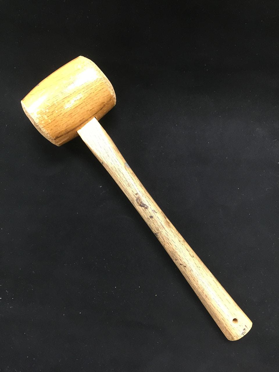 モウルと木槌