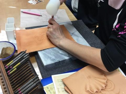 フィギュアカービング 金魚 レザークラフト教室 革工芸教室