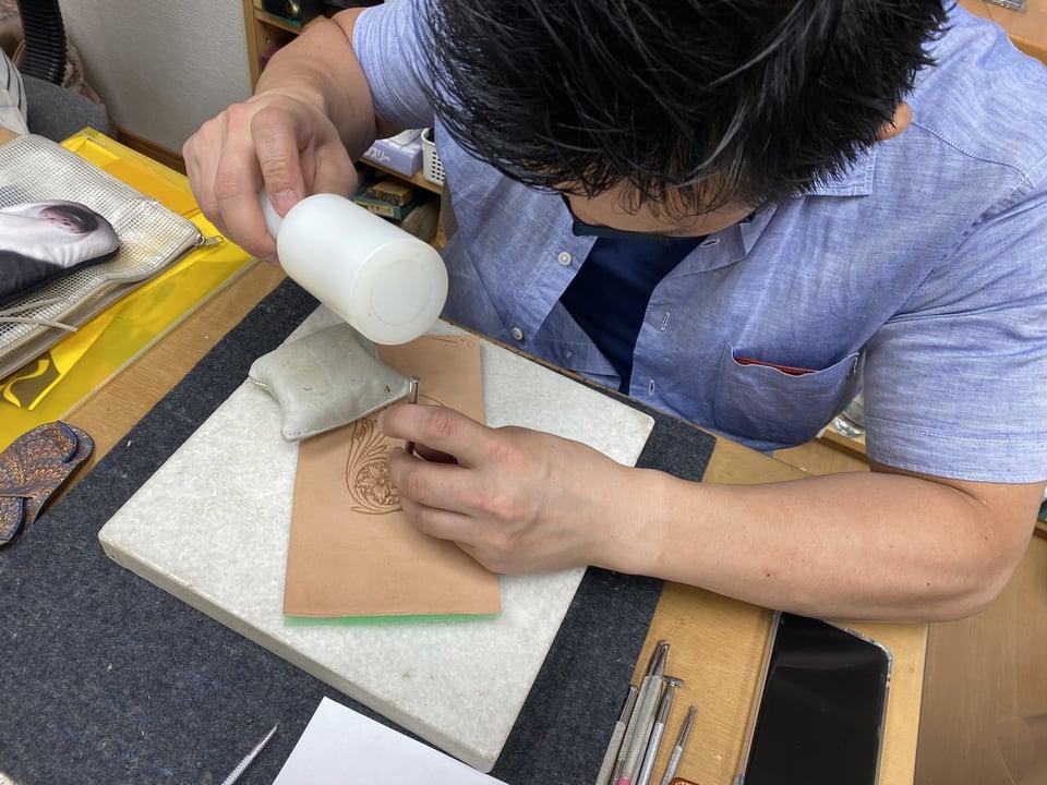 カービングとマーブリングの融合 レザークラフト教室 革工芸教室