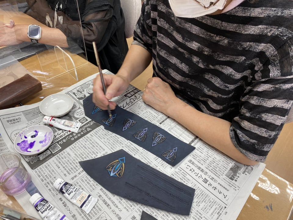 革のアクセサリー染色 レザークラフト教室 革工芸教室