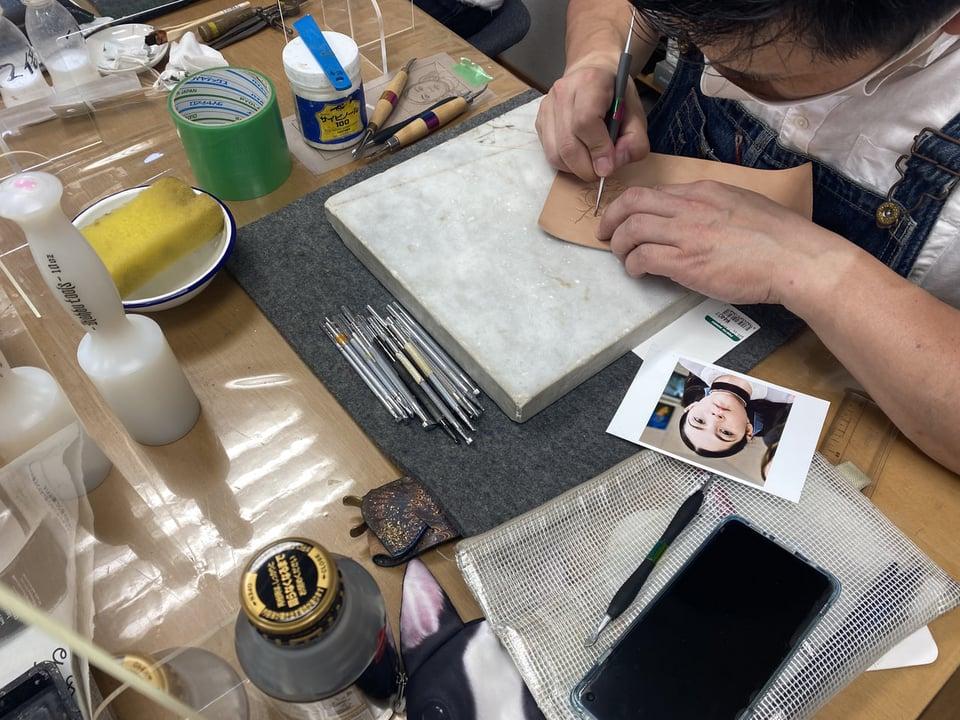 フギュアカービン人物 レザークラフト教室 革工芸教室