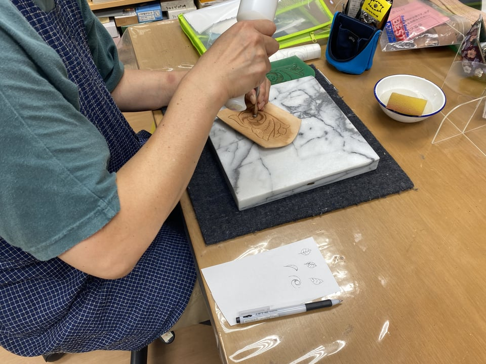 キーケースカービング レザークラフト教室 革工芸教室