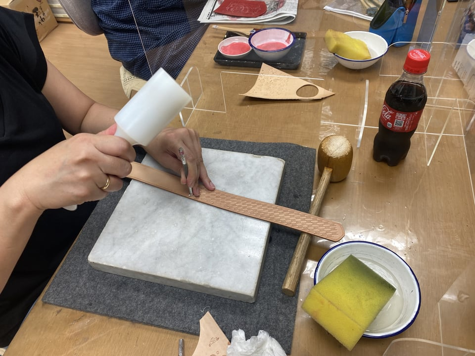 ベルトスタンピング レザークラフト教室 革工芸教室
