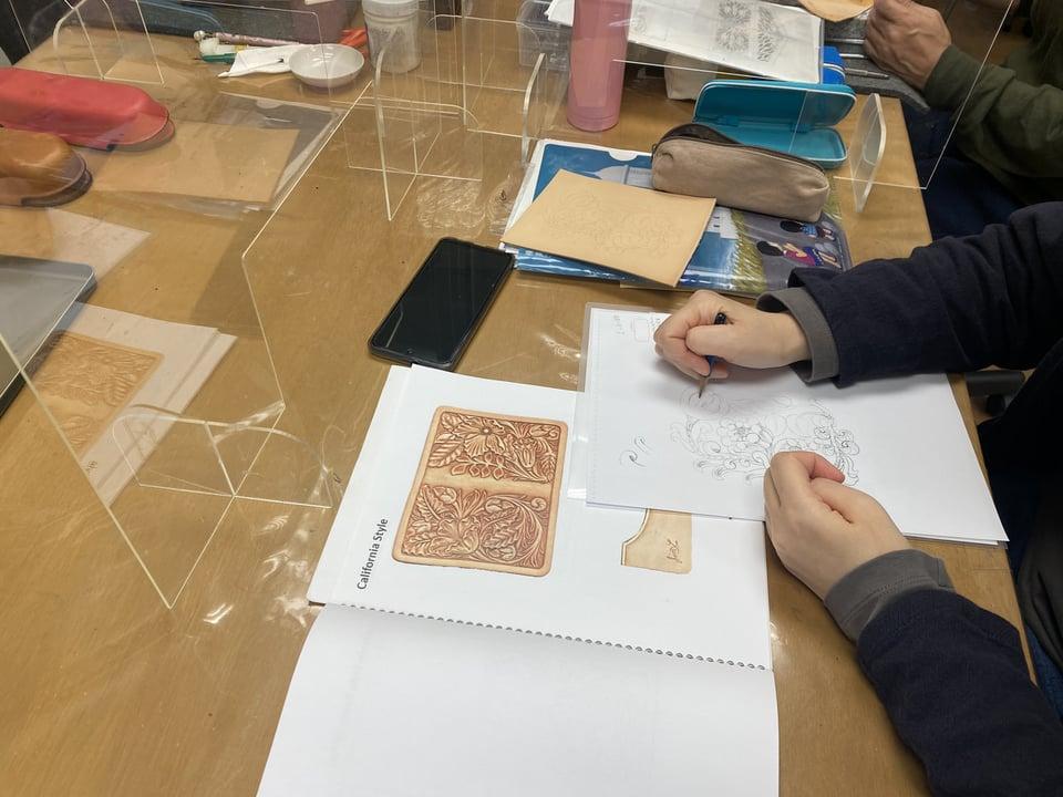 カービング図案 レザークラフト教室 革工芸教室