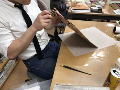 ヘリ磨き レザークラフト 教室 革工芸教室