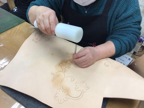 花のカービング レザークラフ 教室 革工芸教室