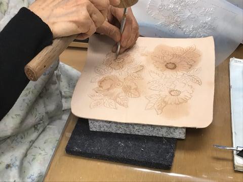 ラウンド札入れ レザークラフト教室 革工芸教室