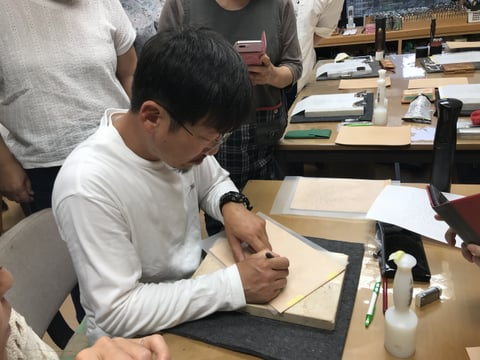 フィギュアカービング講習会 革にトレス レザークラフト教室 革工芸教室