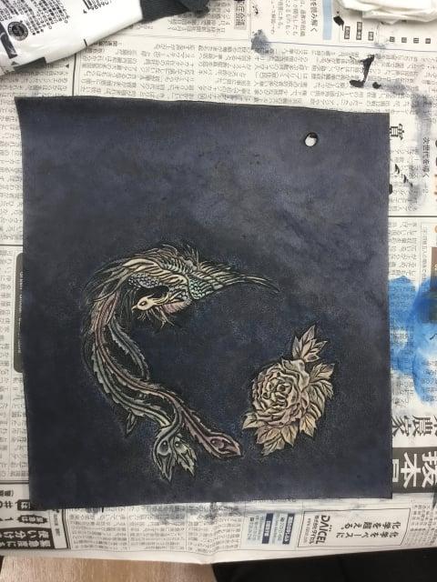 スマホケース染色完成 レザークラフト教室 革芸教室