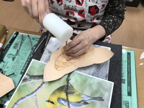 フィギュアカービング鳥 レザークラフト 教室 革工芸教室