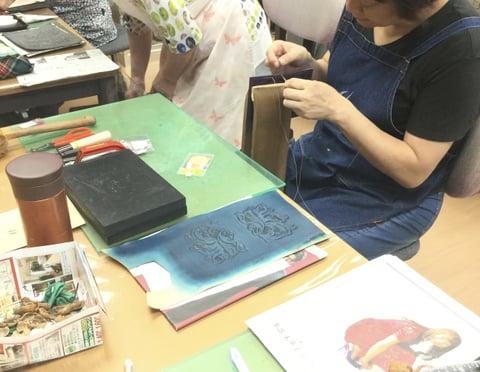 パス入れ手縫い中 レザークラフト教室 革工芸教室