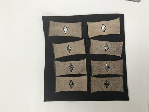 ベルト部品裏を貼る レザークラフト教室 革工芸教室