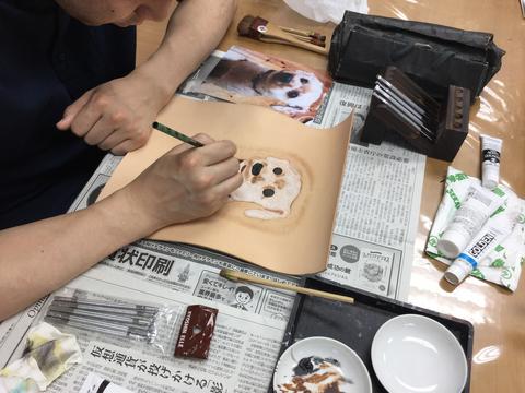 フギュアカービング 犬 レザークラフト教室 革工芸教室
