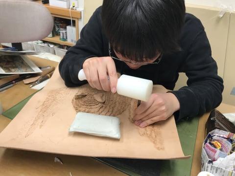 フィギャカービング背景 レザークラフト教室 革工芸教室
