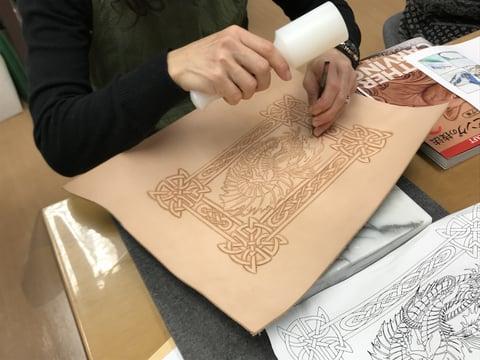 ドラゴンカービング レザークラフト教室 革工芸教室