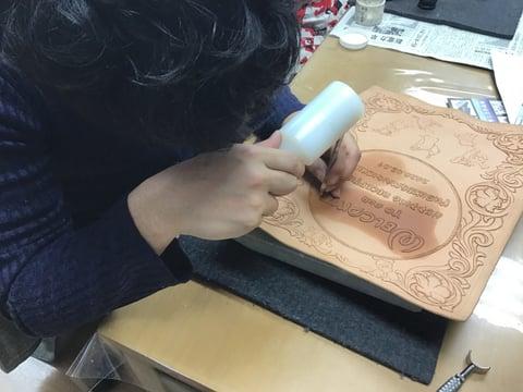 革のウエルカムボード レザークラフト教室 革工芸教室